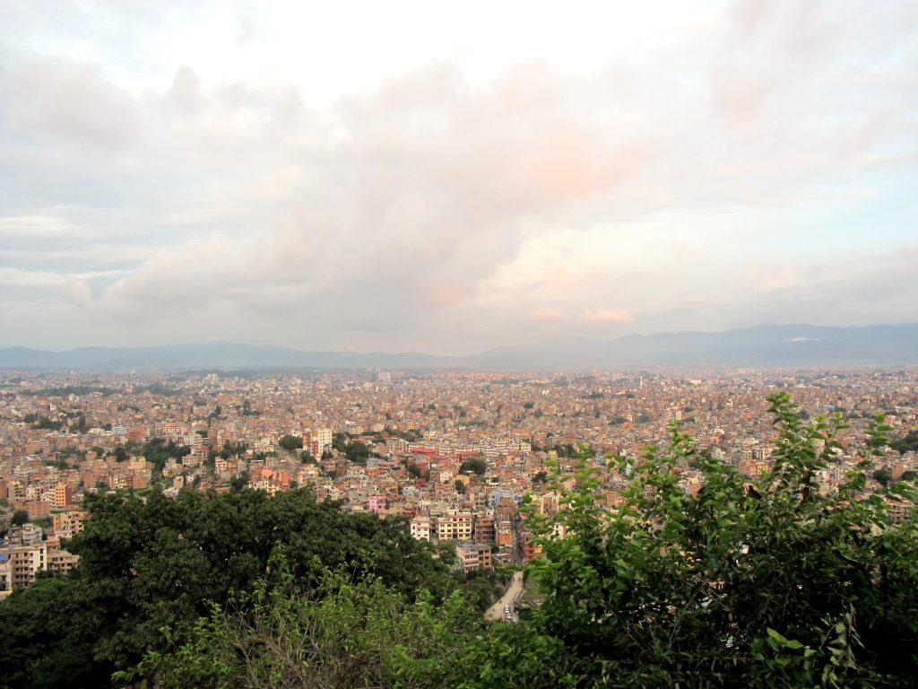 Vistas al atardecer desde Swayambhunath o Templo de los monos. Viajar a Nepal