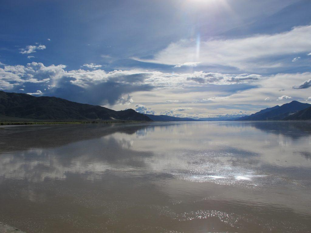 Río Yarlung Tsangpo en el Tibet
