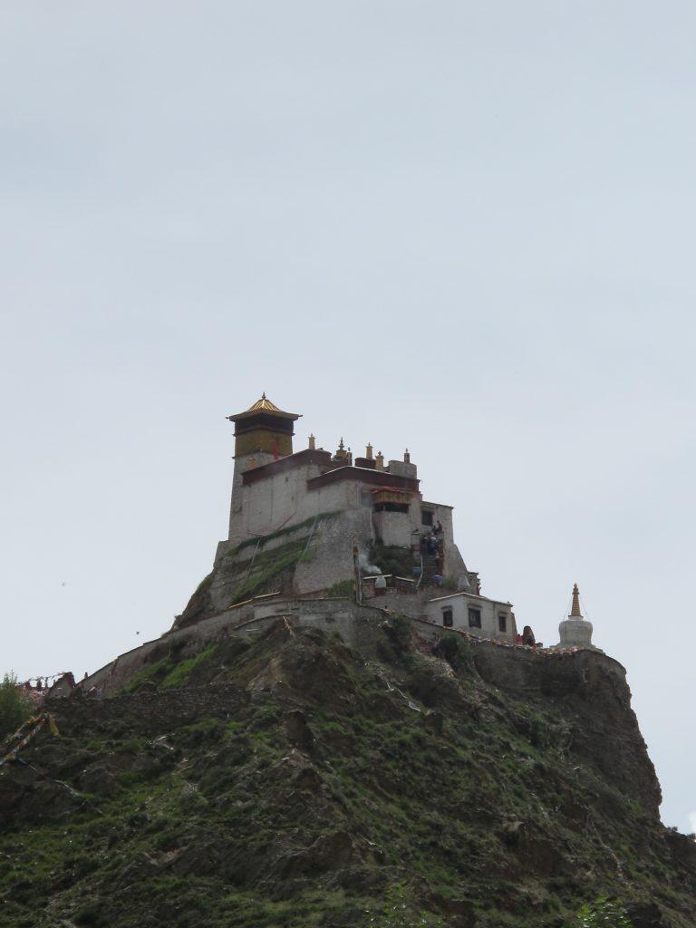 Palacio de Yumbulagang en el Tibet. Viajar al Tibet. Carretera de la Amistad. Friendship highway. viaje a china