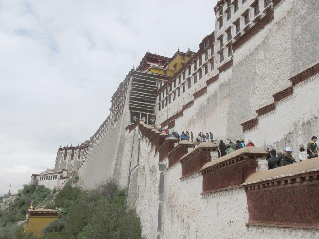 Visitar el Palacio del Potala en Lhasa en el Tibet. Viajar al Tibet. Viaje al Tibet. Carretera de la Amistad. Friendship highway. viaje a china