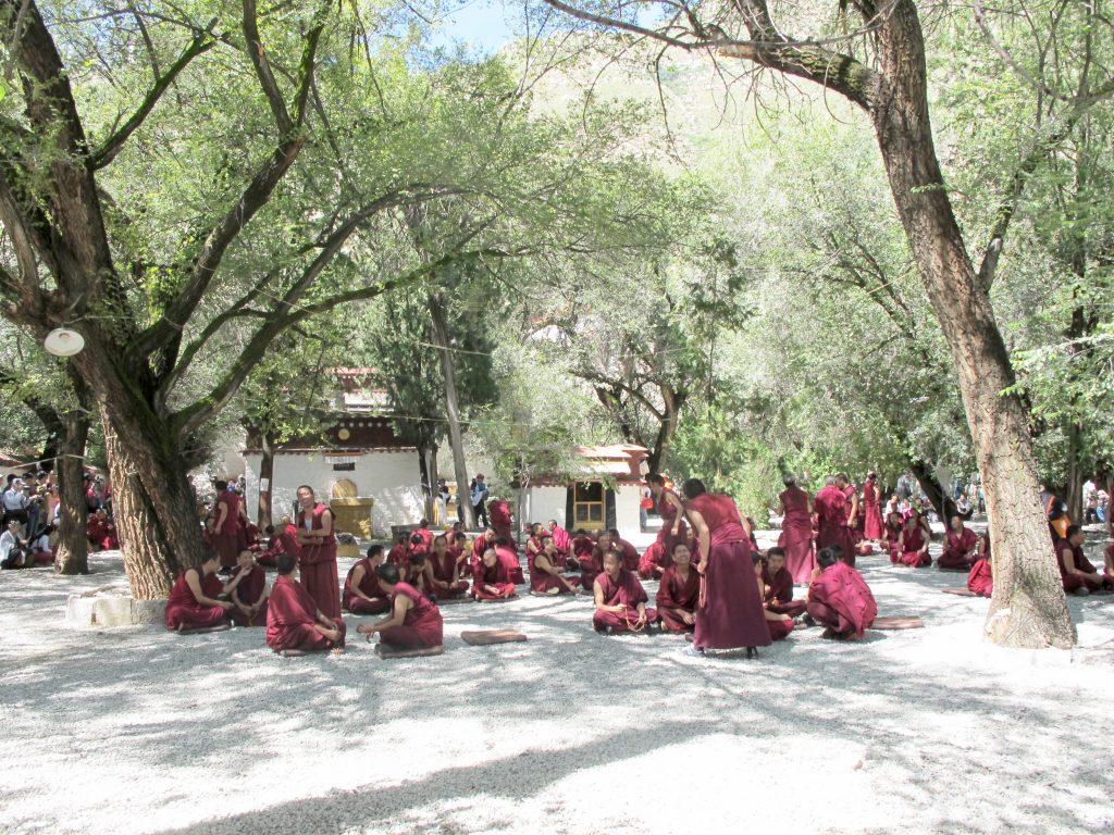 Monasterio de Sera en Lhasa en el Tibet. Viajar al Tibet. Viaje al Tibet. Carretera de la Amistad. Friendship highway. Viajar a China.