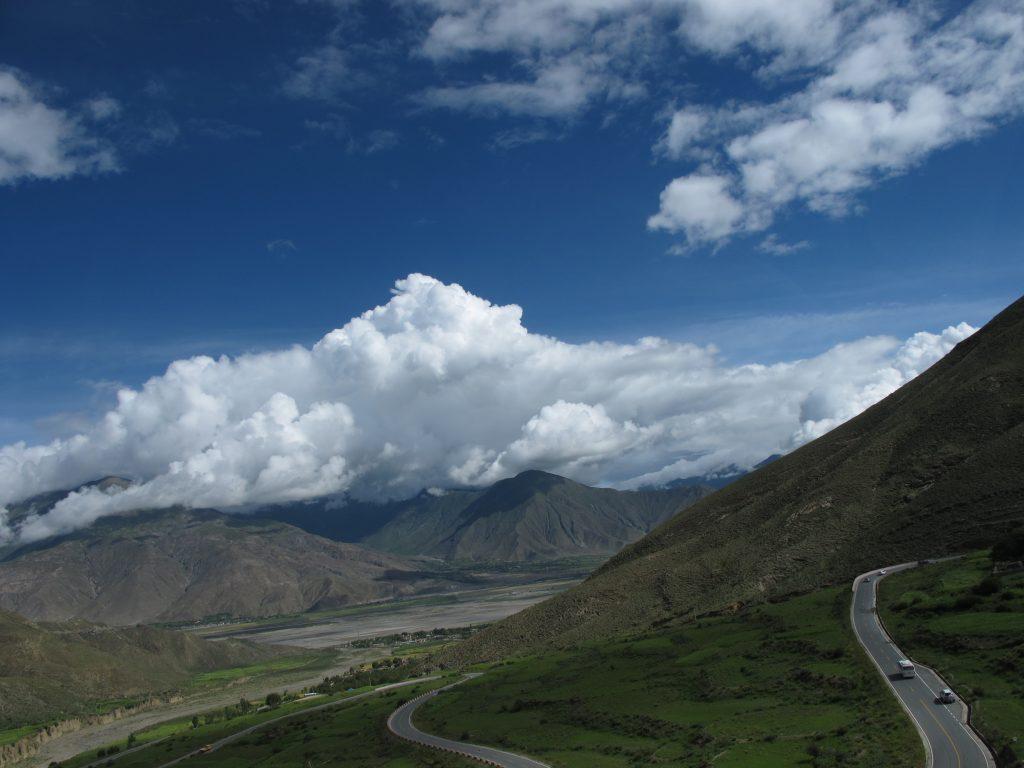 Lago Yamdrok Tso en el Tibet. Viajar al Tibet. Viaje al Tibet. Carretera de la Amistad. Friendship highway