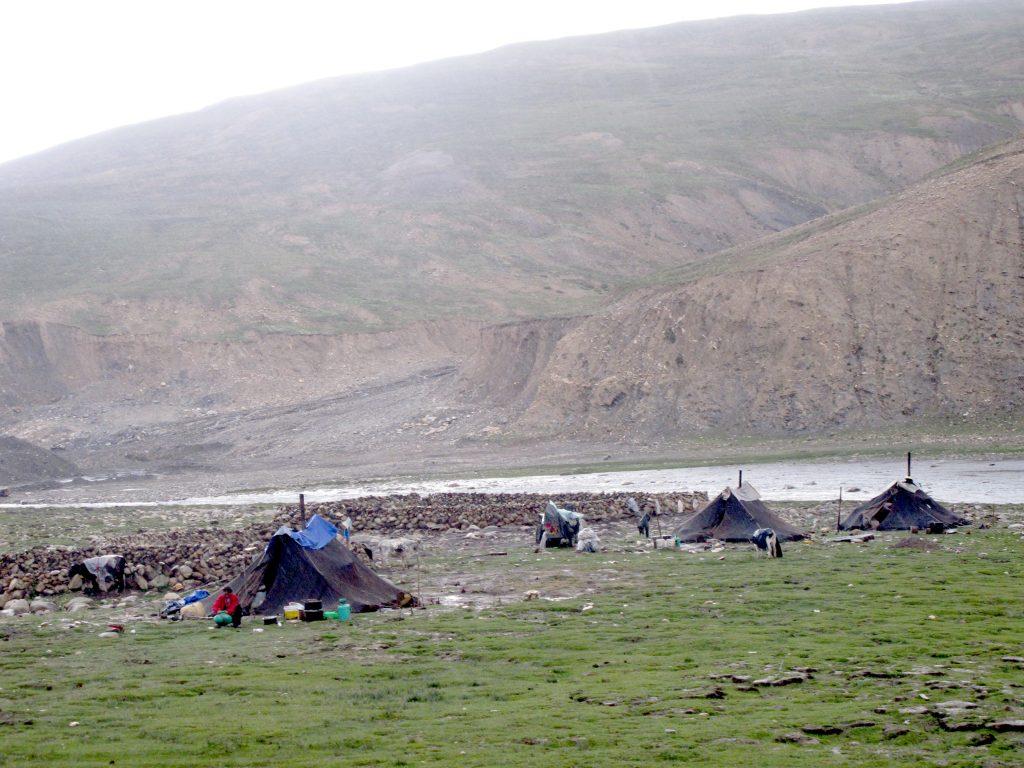 Nómadas en el Tíbet, Monasterio de Tashilhunpo, sede de los Panchen Lamas, en el Tibet. Shigatse. Viajar al Tibet. Viaje al Tibet. Carretera de la Amistad. Friendship highway