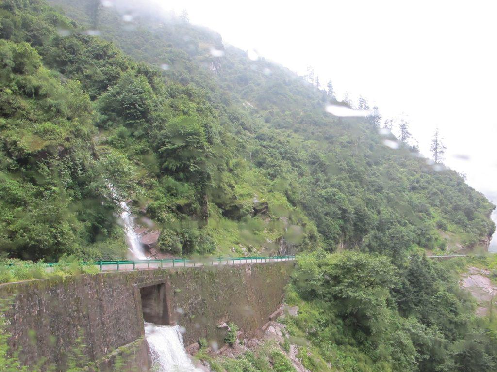 Carretera de la Amistad del Tíbet a Nepal. De Lhasa a Kathmandu. Viajar a Nepal. Viajar al Tibet.