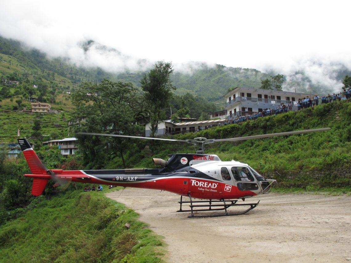 nepal desde el aire, nepal, carretera de la amistad, friendship highway, viajar por carretera de nepal al tibet, viajar por carretera del tibet a nepal