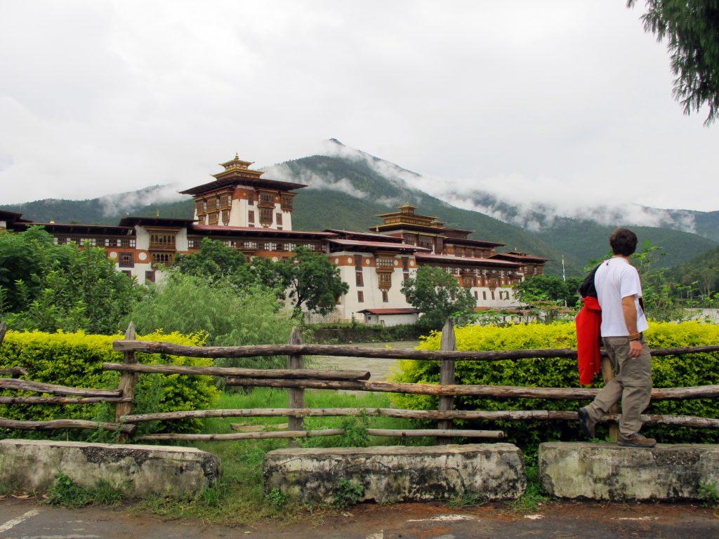 Monasterio de Punakha en Butan. Viajar a Butan. Viaje a Bhutan.