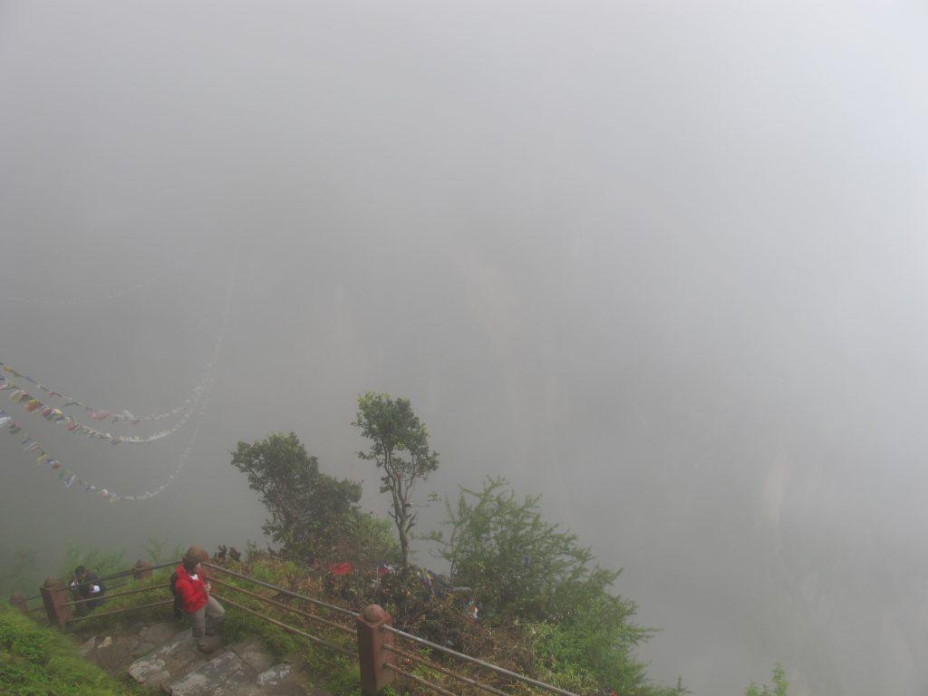 Monasterio de Taktsang. Viaje a Bhutan en agosto. Viajar a Butan en agosto. Bajada del nido del Tigre.
