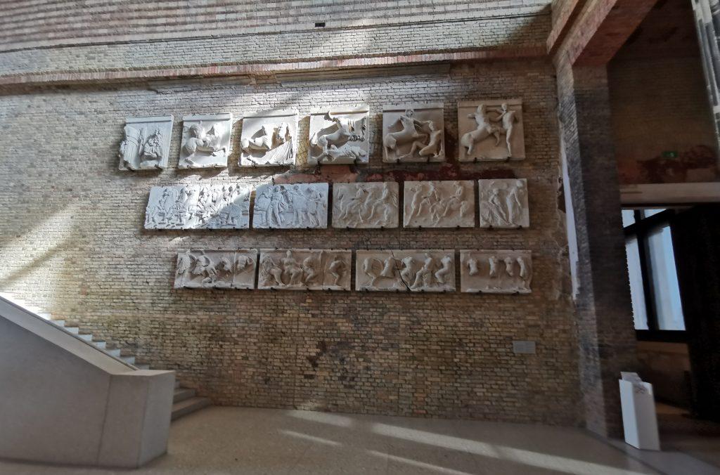 berlin en 3 días, viajar a berlin, museo nuevo, neues Museum, isla de los museos, restos del Partenón de Grecia
