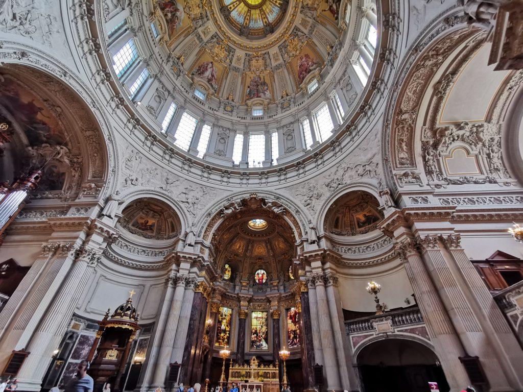 catedral de berlin, Isla de los museos, cúpula de la catedral de berlin, 3 días en berlin, 4 días en berlin, museos en berlin, 2 días en berlin, interior de la catedral de berlin